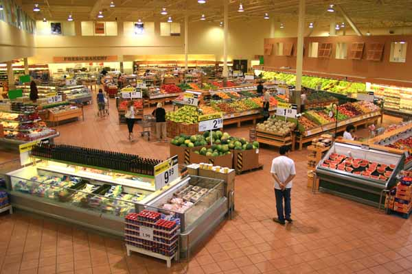 Custom retail displays for grocery stores